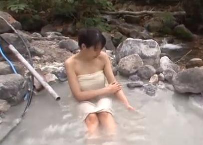 山田べにこ露天風呂「野天湯へGO!」