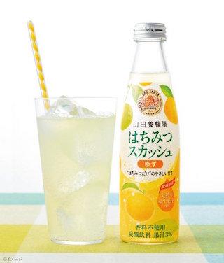 蜂蜜入りの健康的な炭酸飲料